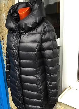 Зимний фирменн чёрный пуховик- пальто надежной застежкой, прямого кроя от more% more