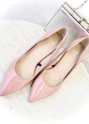 Стильные лодочки лаковые туфли h&m