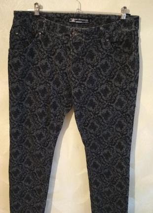 Стильные джинсы с напылением c&a