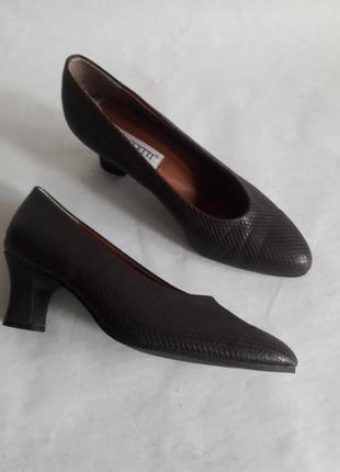 Элегантные туфли мюлли puccetti