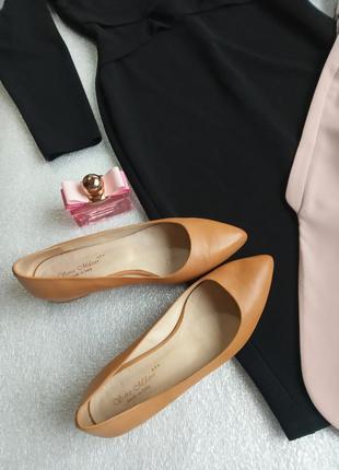 Шкіряні італійські туфлі