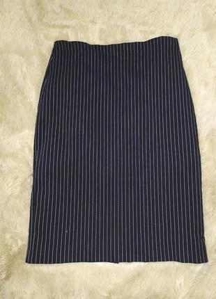 Стильная прямая юбка в тонкую полоску