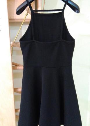 Красивейшее черное фактурное платье с открытой спинкой