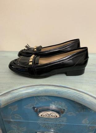 Классические кожаные туфли от zara