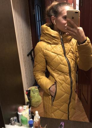 Зимняя курта, пальто , горчичного цвета