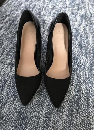 Чорні туфлі asos