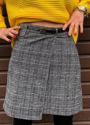 Трендовая ассиметричная юбка в клетку серого цвета на запах новая