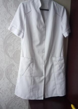 Медицинский белый халат