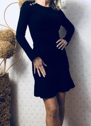 Zara черное теплое платье м - размер , можно и на s