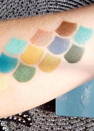 Makeup revolution mermaids heart палитра теней
