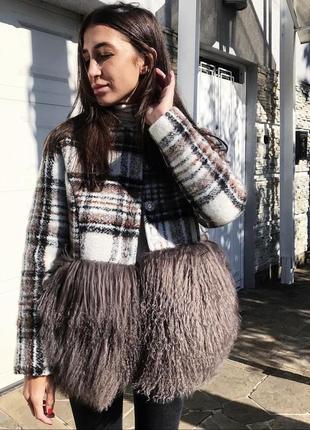 Зимнее пальто с натуральным мехом ламы
