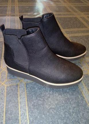 Новые ! ботинки демисезонные. р. 38