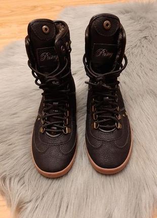 Новые крутые стильные зимние ботинки кеды с заклепками р. 36