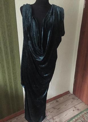 Вечернее изумрудное платье в греческом стиле