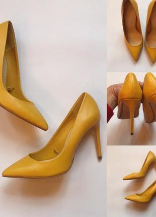 Стильные фирменные туфли