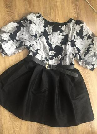 Платье з рукавами фонариками