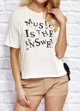 17-113 женская футболка с надписью music is the answer