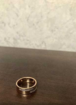 Обручальное кольцо.кольцо шайба.золотое кольцо с камнями.позолоченное кольцо