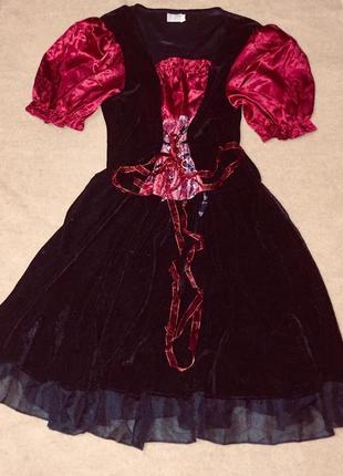 Карнавальное платье бархатное чёрного и марсалового цвета на шнуровке спереди