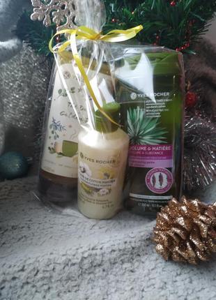 Подарочный набор ив роше: шампунь для волос, гель для душа, гоммаж