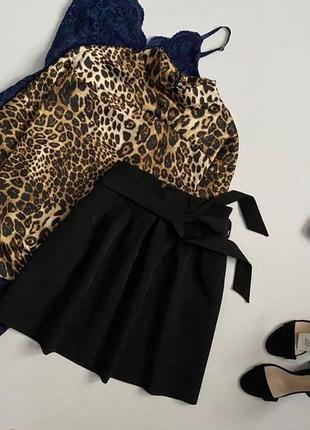 Стильная юбка с пояском и оборкой на талии stradivarius