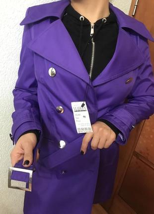 Плащ тренч очень красивого фиолетового цвета