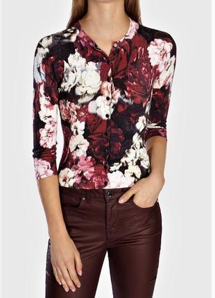 Потрясающий кардиган кофта стрейч с принтом роз и эмалированными пуговицами-кнопками