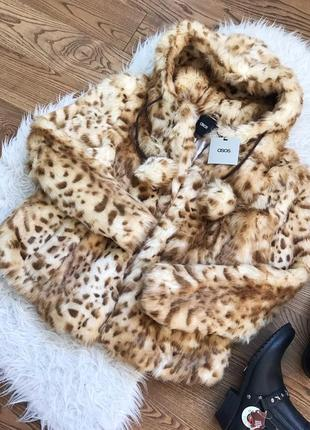 Шикарна леопардова шубка з бубонами