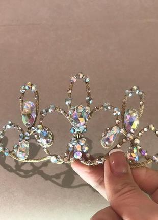 Корона ручной работы камни класса люкс ,стекло