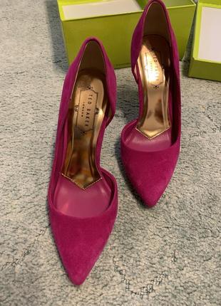 Невероятно красивые замшевые туфли ted baker! оригинал!