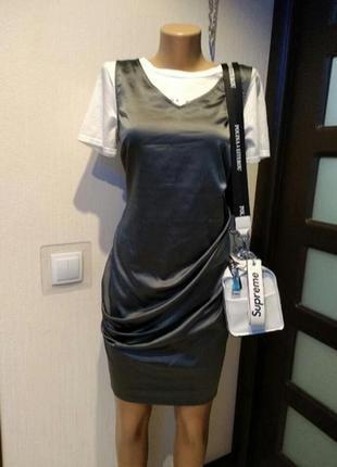 Супермодное платье коктейльное вечернее атласное модного цвета