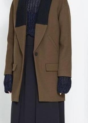 Zara basic пальто з темно-синім трикотажним комірем