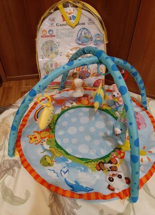 Детский игровой развивающий коврик.