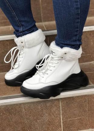 Новые зимние ботинки на черной платформе! новинка