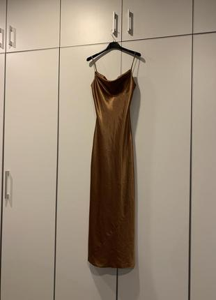 Вечерние платье на бретельках (s)