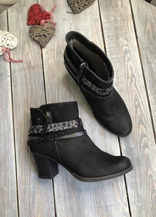 Tamaris кожаные ботильоны на каблучке на меху ботинки утеплённые