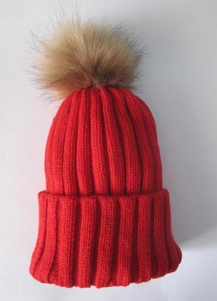 8 плотная яркая очень красивая вязаная шапка с помпоном6 фото