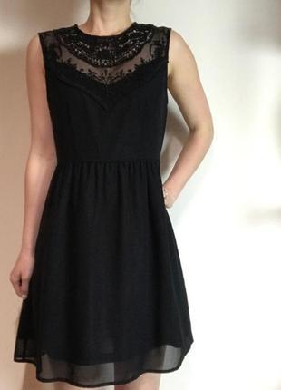 H&m маленькое черное платье с декором, р.38, s-ка