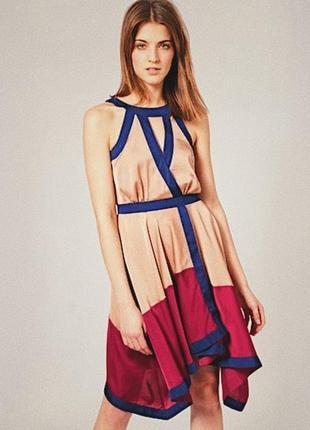 Идеальное контрастное атласное платье