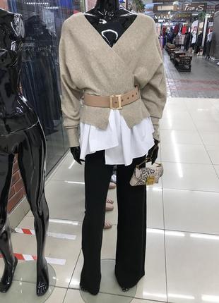 Необычный свитер с рубашкой