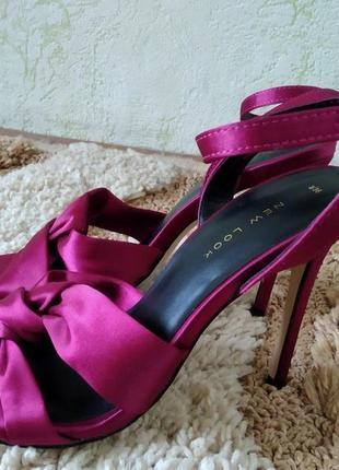 Роскошные босоножки new look, размер 36