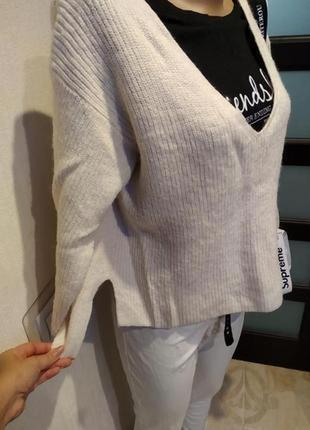 Стильный брэндовый теплый белый джемпер свитер пуловер из натуральной шерсти