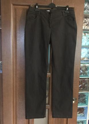 Коричневые джинсы, размер 44 европейский.