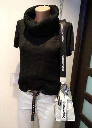 Отличная стильная базовая водолазка свитер джемпер жилетка