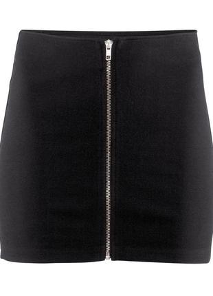 Черная юбочка-мини на молнии спереди