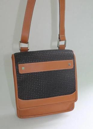 Дуже крута та стильна шкіряні сумка. франція!