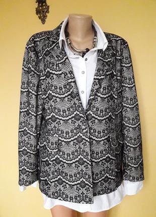 Красивый пиджак,жакет в принт кружево
