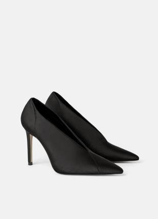 Стильные туфли zara, черного цвета. новая коллекция