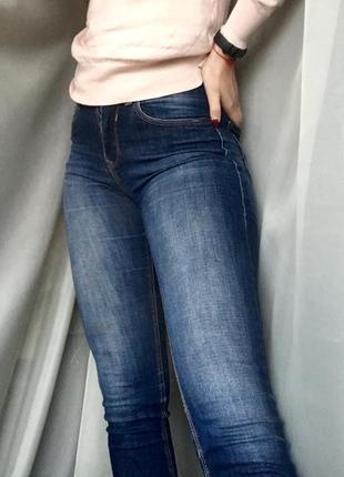 Джинсы skinny bershka синие голубые