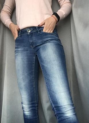 Esprit джинсы женские голубые skinny